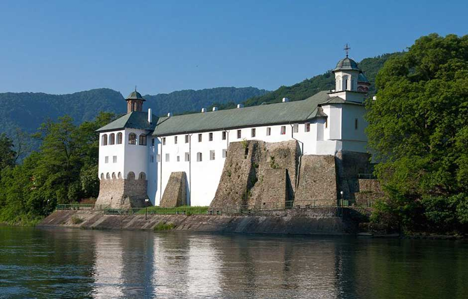 manastirea-cozia